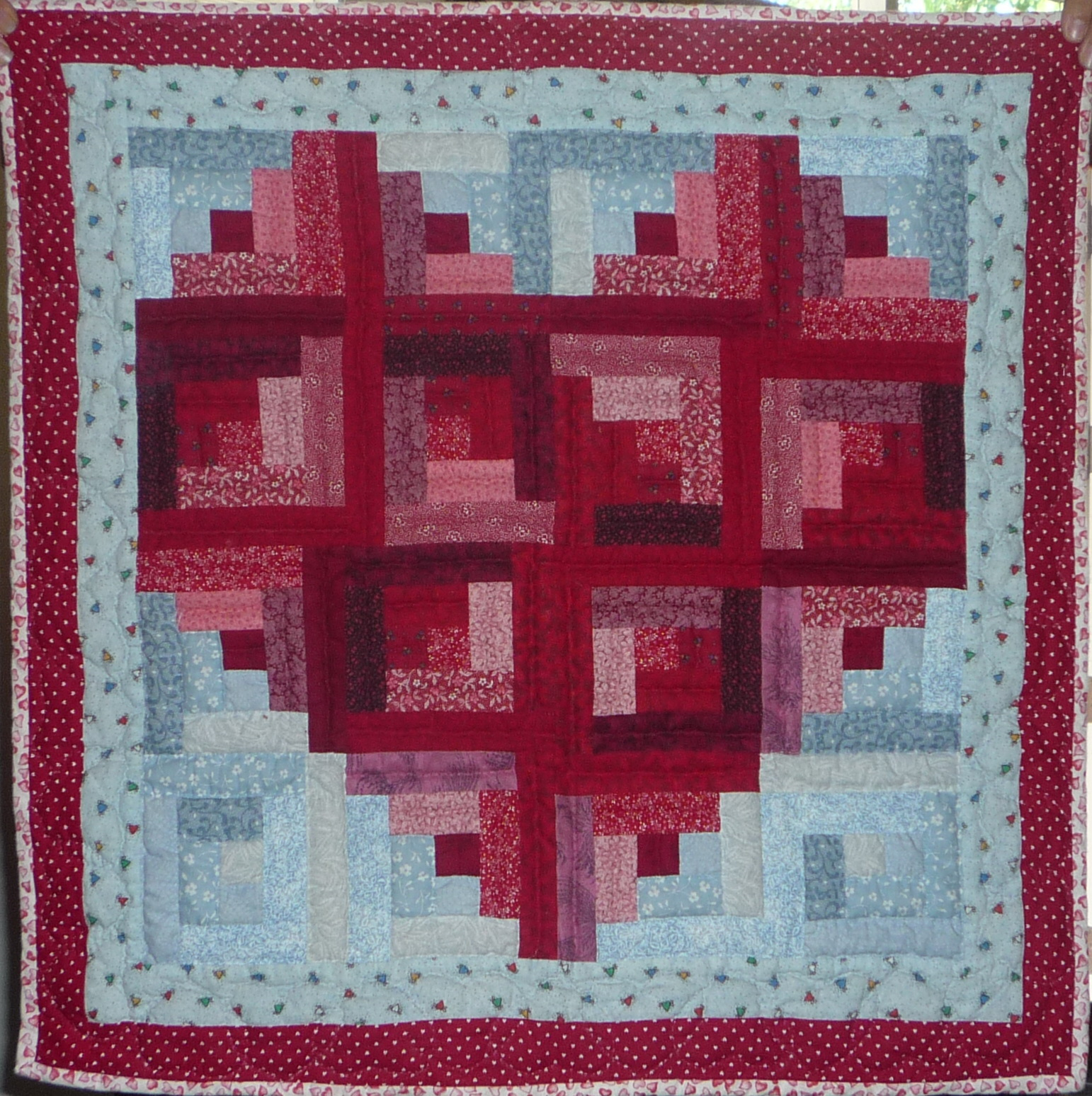 Pattern For Log Cabin Heart Quilt : Log Cabin Heart by Linda Jill s Quilt Site